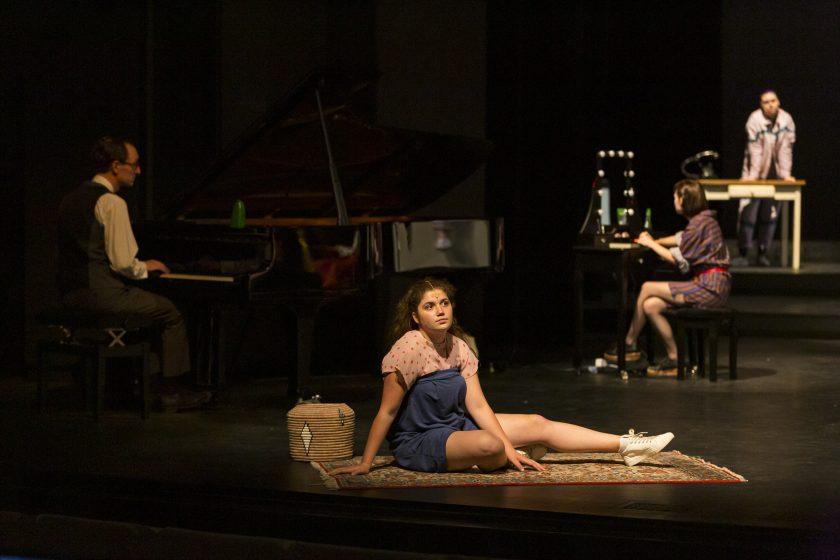 "Szenenfoto ""Fucking Lonely"", Theater Duisburg, Sascha Kreklau"